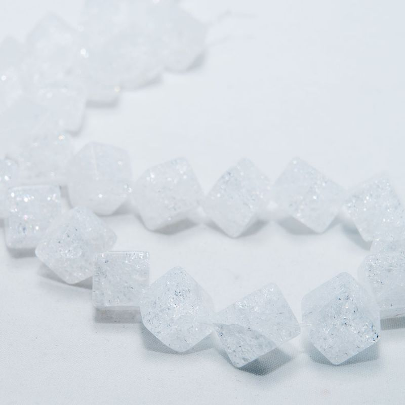 Cristal gheata cuburi 10 mm diagonala - magazinuldepietre.ro