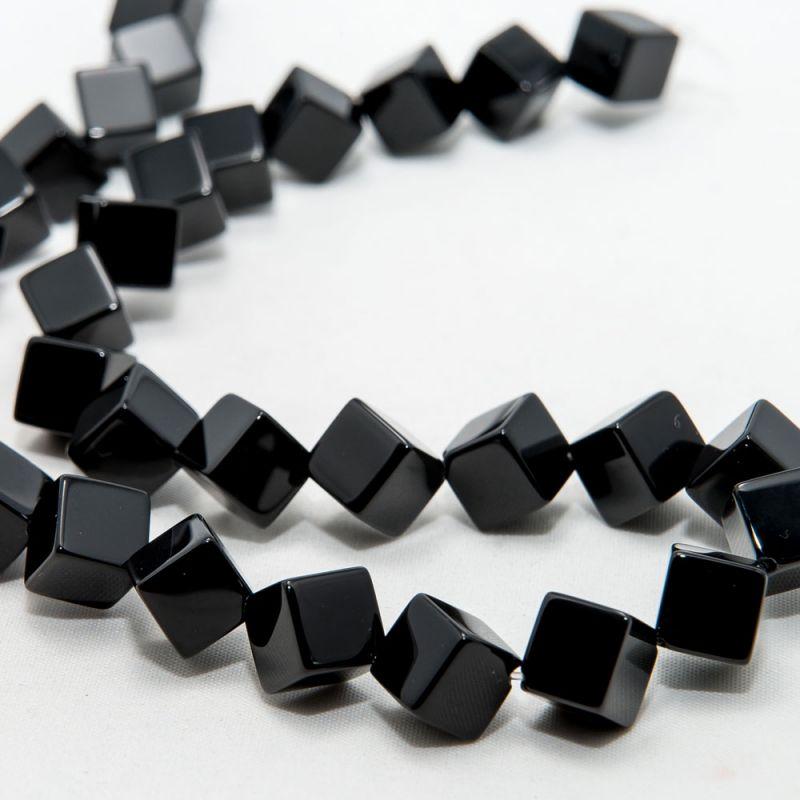 Onix cuburi 8 mm diagonala - magazinuldepietre.ro