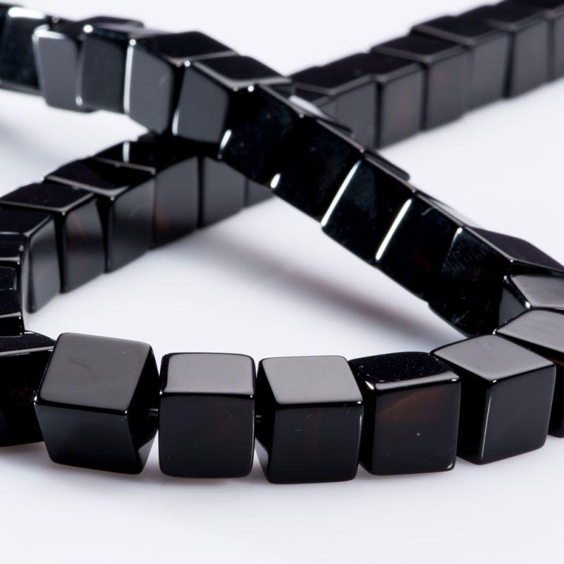 Onix cuburi 10 mm - magazinuldepietre.ro