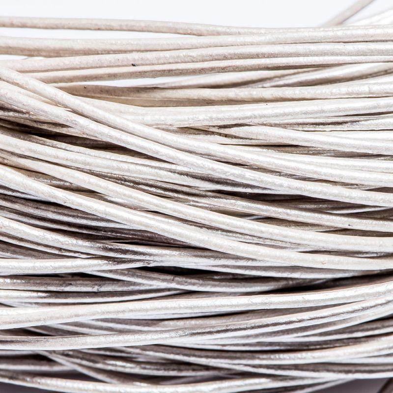 Snur piele rotund 1 mm alb perlat - 2 m - magazinuldepietre.ro