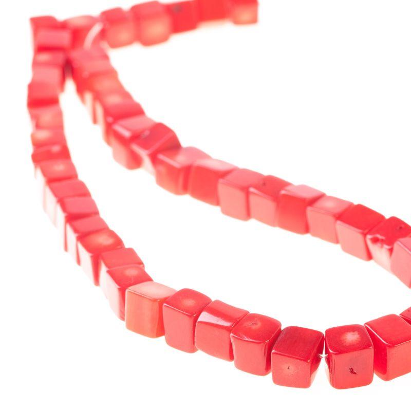 Coral rosu cuburi 8 mm