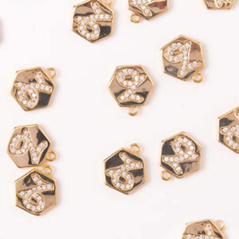 Charm hexagon capricorn zirconia alb 10 mm auriu - 1 buc - magazinuldepietre.ro