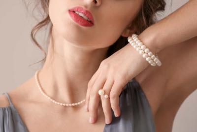 Perle naturale vs perle de cultura - asemanarile si deosebirile dintre aceste indragite elemente
