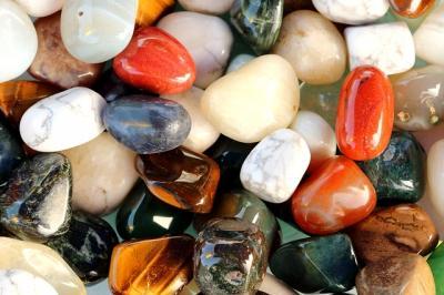 Piatra lunii și purtarea sa din Antichitate până în prezent - Istorie, proprietăți și tipuri de bijuterii
