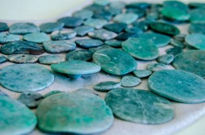 Proprietățile jadului: cum te poate ajuta această piatră semi-prețioasă să ajungi în echilibru cu tine însuți